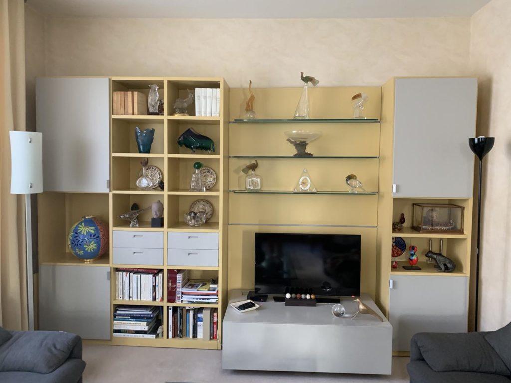 Meuble TV avant | Maison 604 - Agence de conseil en décoration d'intérieur et design d'espace dans la région de Nancy et Paris.